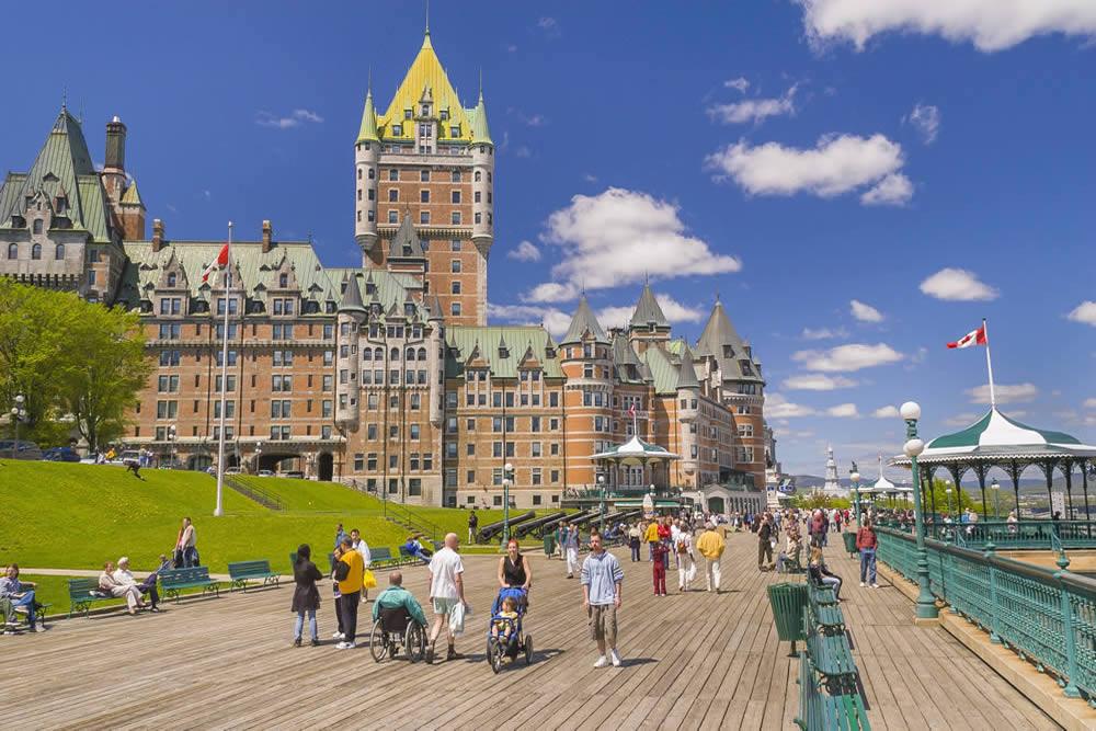 Dân cư sinh sống ở Ottawa - thủ đô Canada